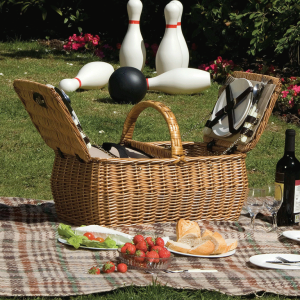 Lifestyle Outdoor Living Dorothy Willow Picnic Hamper