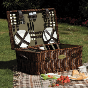 Lifestyle Outdoor Living Family Sized Willow Picnic Hamper