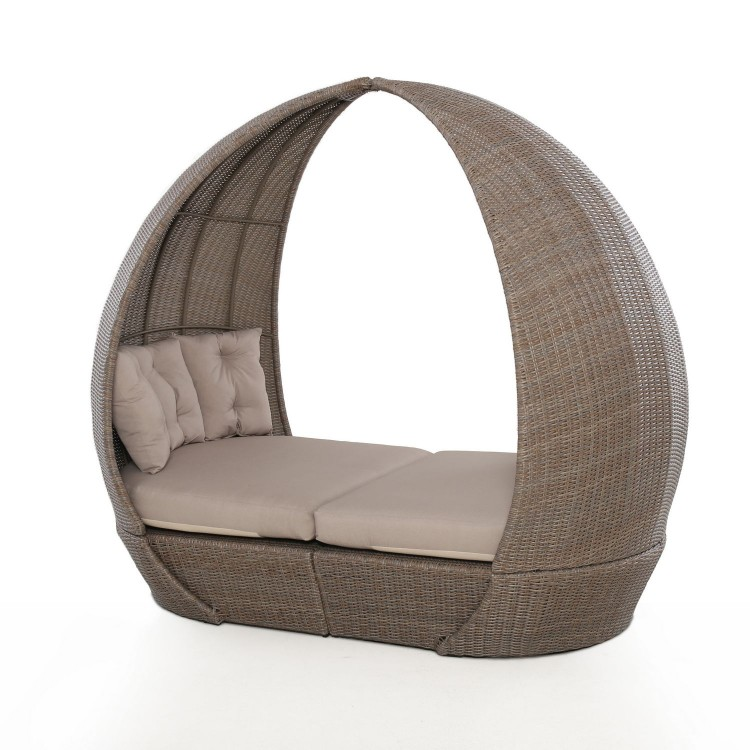 Maze Rattan Garden Furniture Harrogate Daybed with Weatherproof Cushions