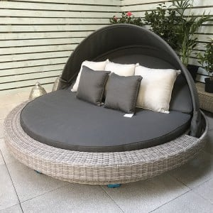 Signature Weave Garden Furniture Madison Extra Large Daybed